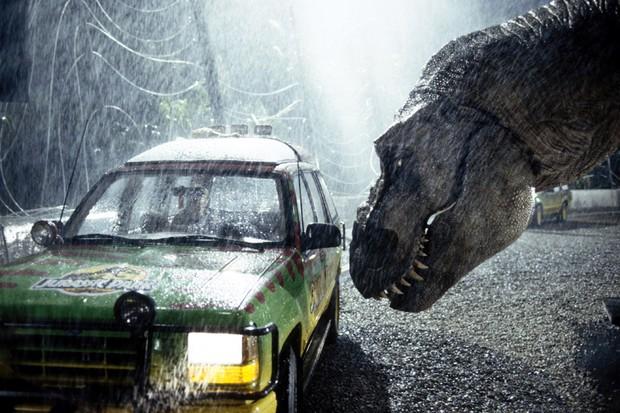 Os modelos Explorer do filme sofreram com o Tiranossauro (Foto: Reprodução)