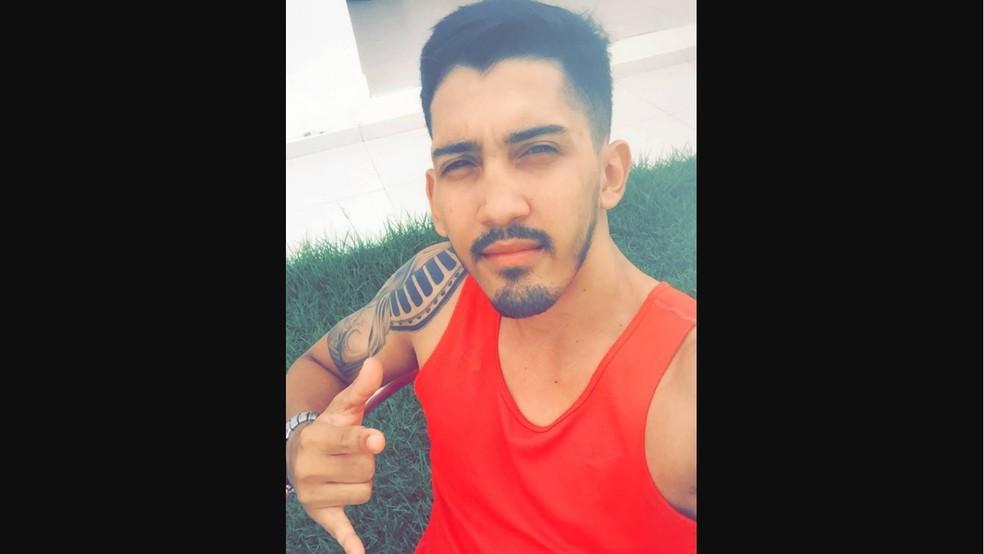 Pedro Henrique de Souza, de 27 anos, foi morto quando estava no carro em Ariquemes — Foto: Facebook/Reprodução