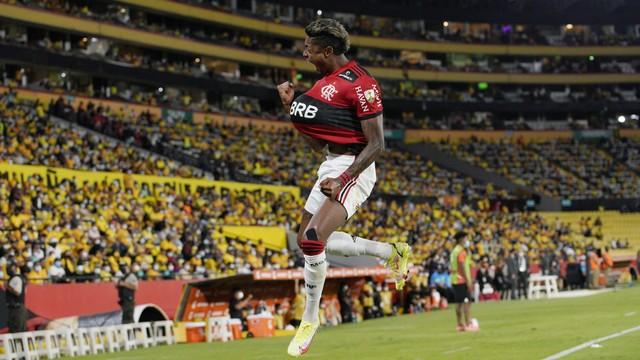 Bruno Henrique comemora em Barcelona-EQU x Flamengo