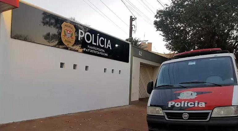 Dupla armada assalta imobiliária em Araraquara e foge com R$ 3,5 mil