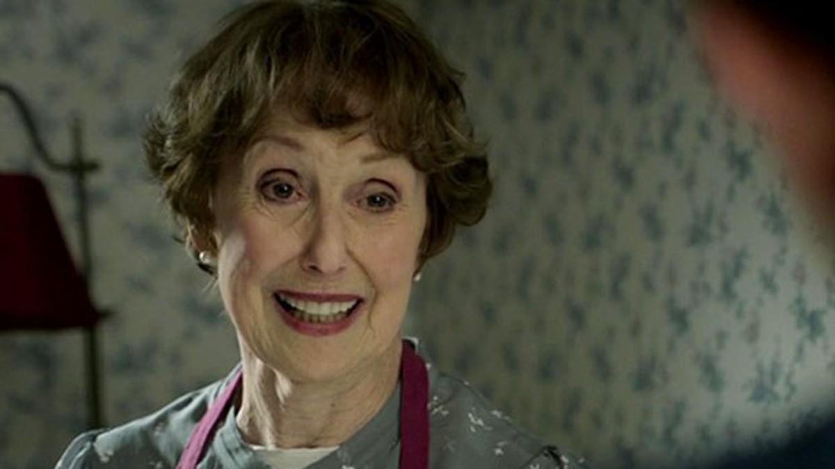 Una Stubbs, atriz de 'Sherlock', morre aos 84 anos   Pop & Arte