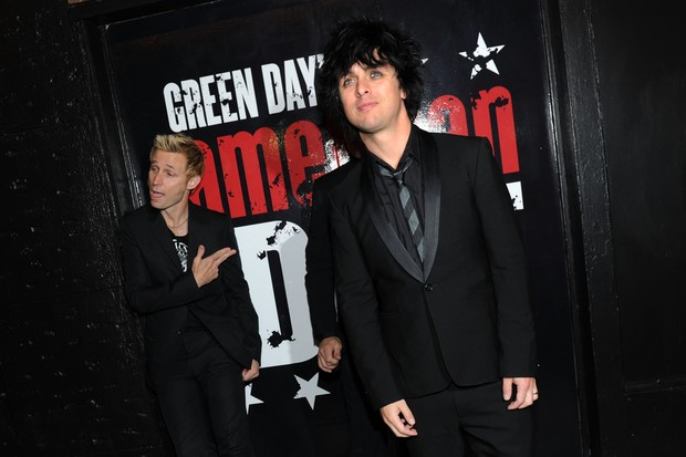 Green Day na época de lançamento do disco American Idiot (Foto: getty images)