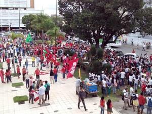 Protesto da CUT em Aracaju (Foto: Flávio Antunes / G1)