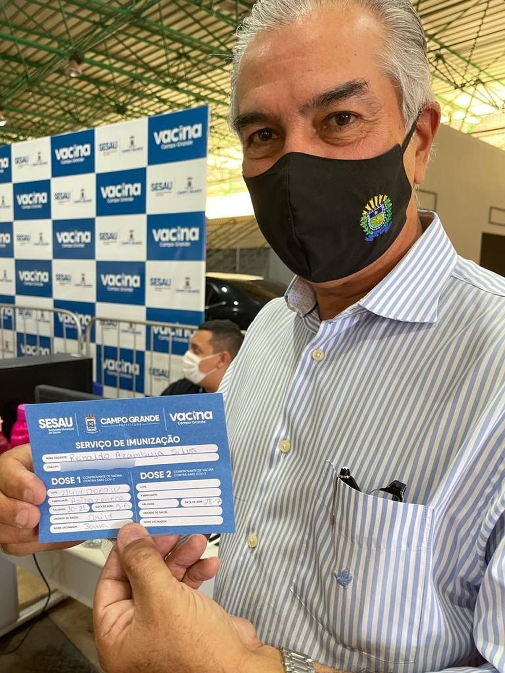 Governador Reinaldo Azambuja foi vacinado com Astrazeneca — Foto: Cláudia Gaigher/TV Morena