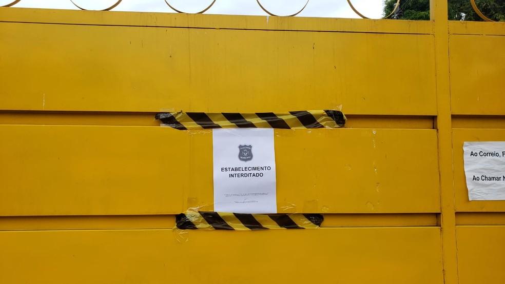 Clínica foi interditada após denúncias de maus-tratos, em Prudente de Morais  — Foto: Cláudia Mourão/TV Globo