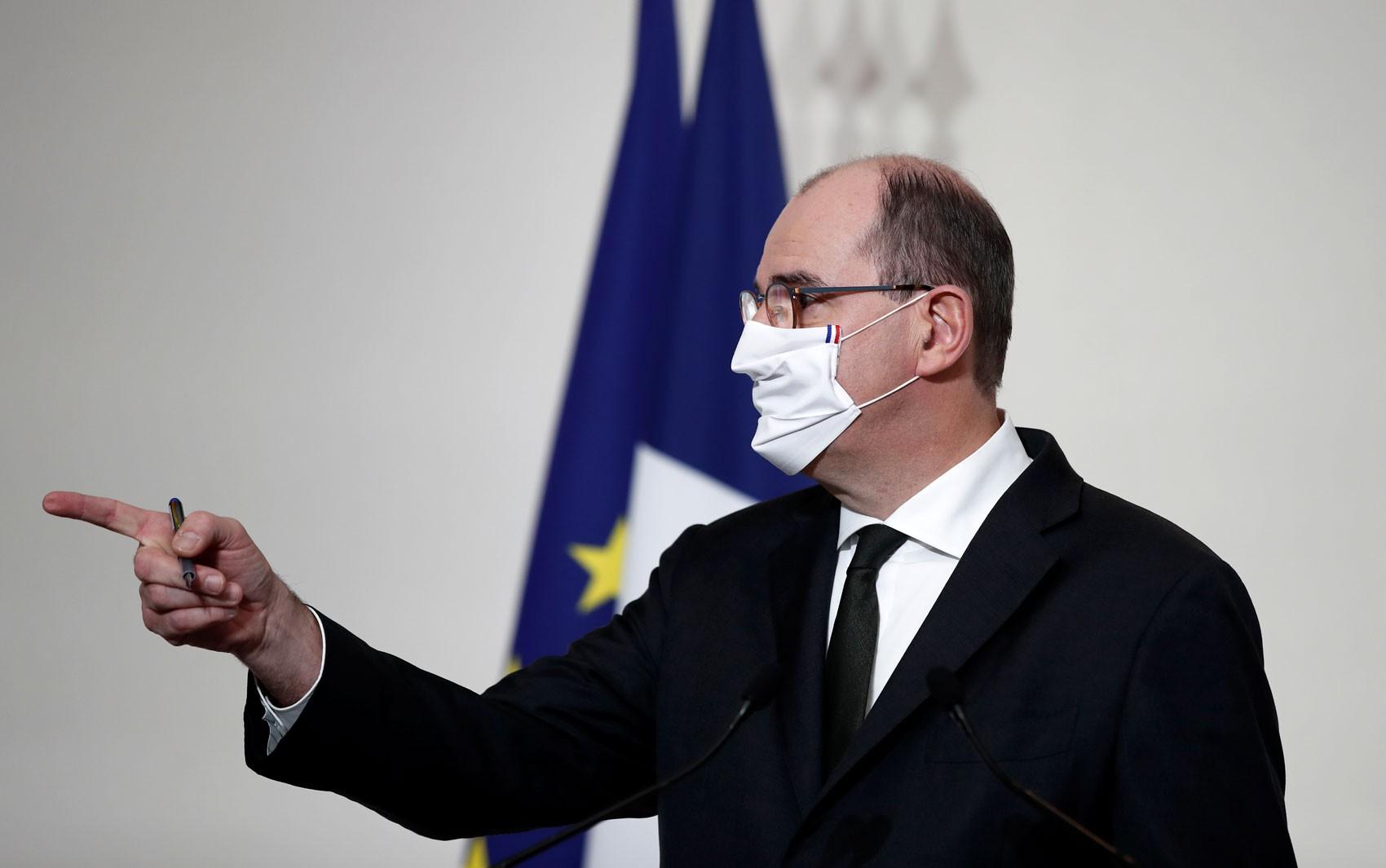 Vacinação contra Covid-19 na França será gratuita para todos, mas não obrigatória
