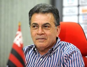 Em reunião com Zinho, Pelaipe inicia transição e trata do futuro do diretor