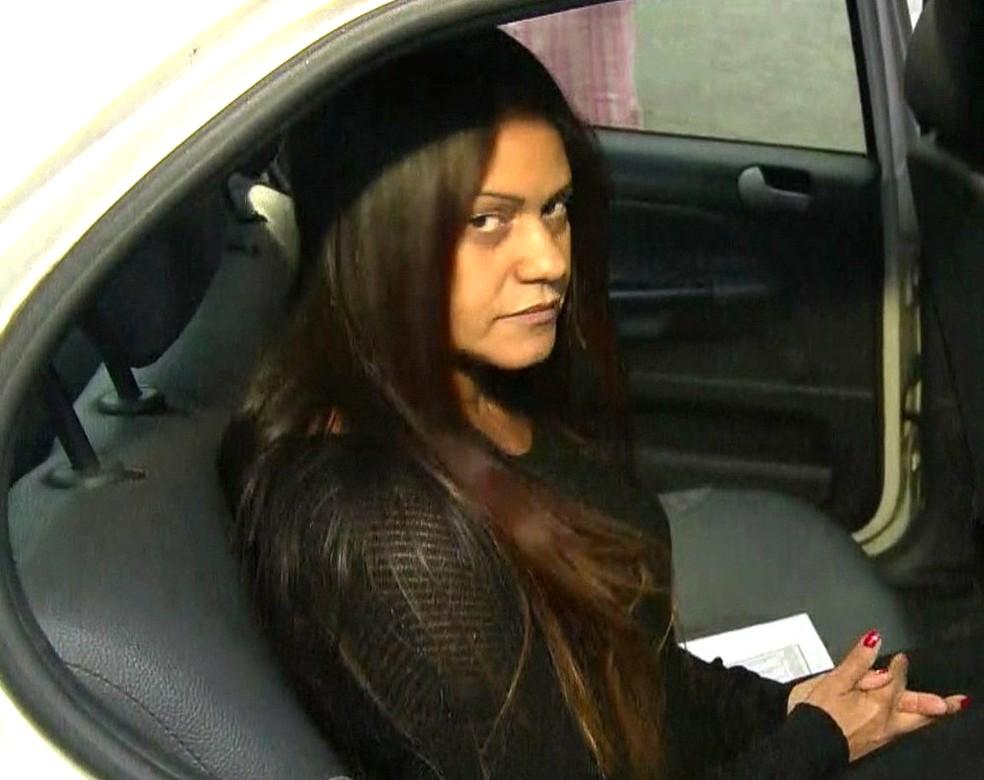 Paty Bumbum foi presa em casa, em Curicica, na Zona Oeste do Rio (Foto: Reprodução/TV Globo)