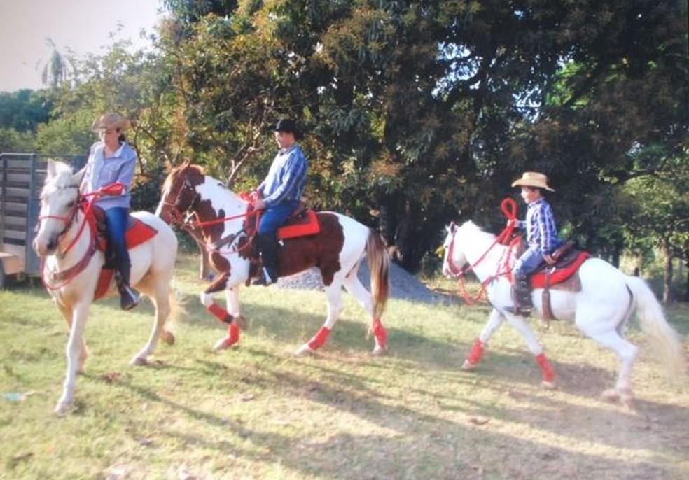 Andar A Cavalo Traz Benefícios Para A Saúde E Melhora