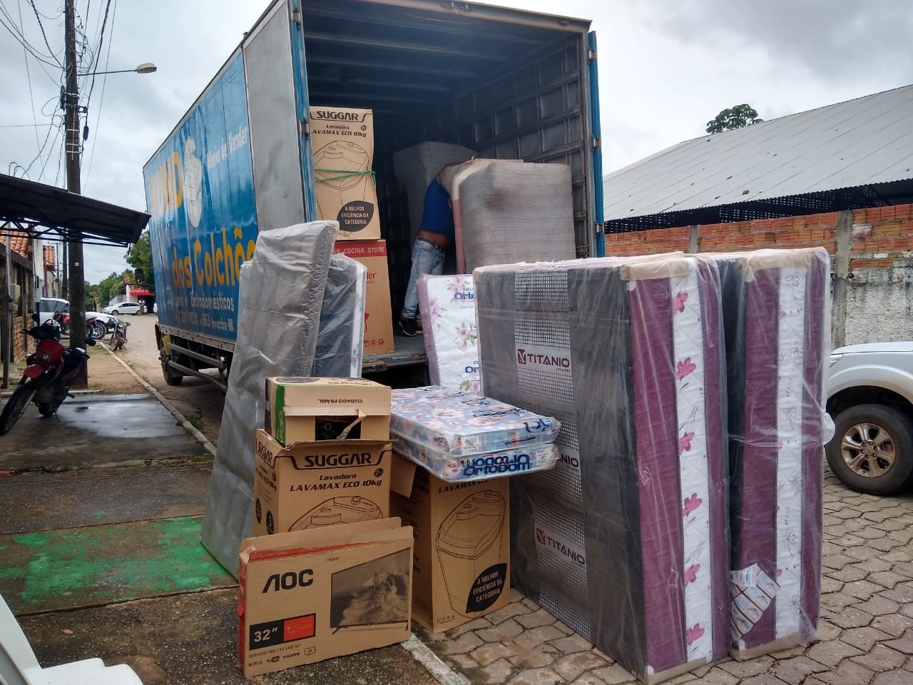 Polícia prende funcionários que desviavam mercadorias a clientes 'fantasmas' no MA