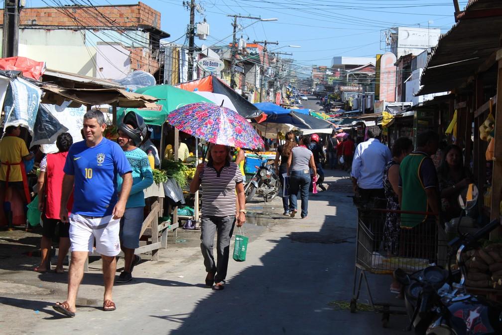 Feira do bairro Mutirão, na Zona Leste de Manaus, em dia sem jogo do Brasil (Foto: Patrick Marques/G1 AM)