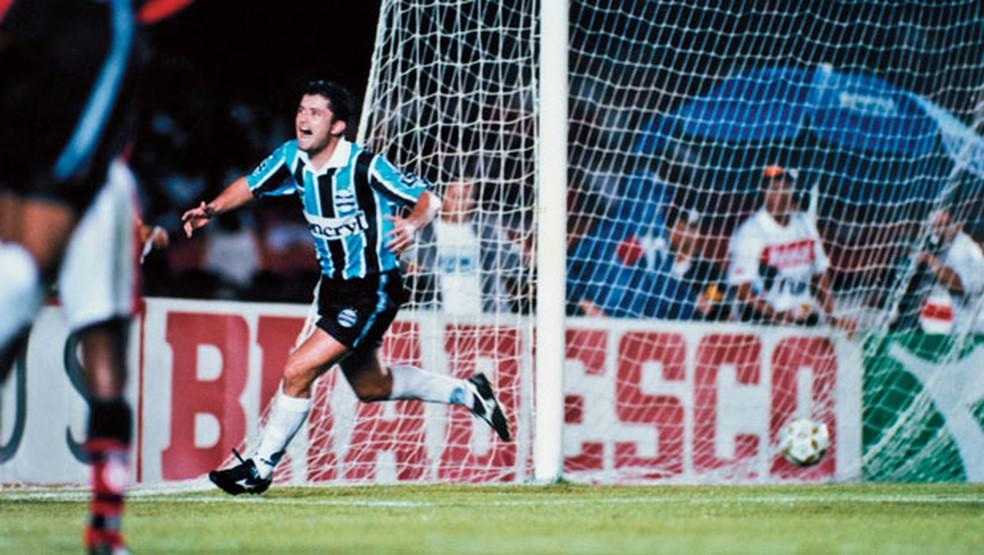 Carlos Miguel marcou o gol do título da Copa do Brasil em 1997 — Foto: Grêmio.net/Divulgação