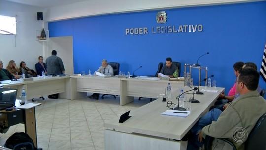 Votação veta cassação de mandato do prefeito de Campina do Monte Alegre