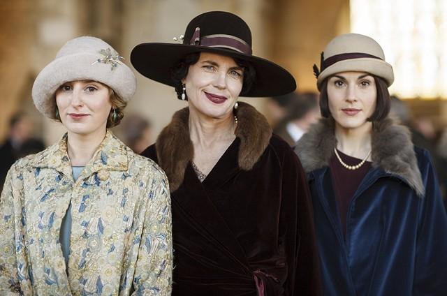 Elizabeth McGovern, Michelle Dockery, e Laura Carmichael em 'Downton Abbey' (Foto: Reprodução)