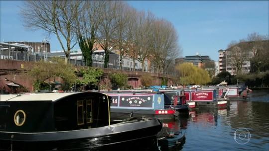 Barcos circulam pelos canais de Londres com charme e criatividade