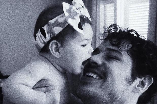 José Loreto com Bella (Foto: Reprodução/Instagram)