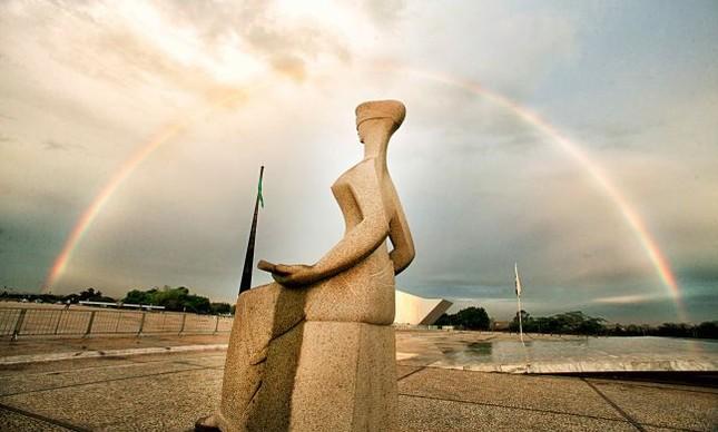 A Estátua da Justiça em frente ao STF (Foto: Felipe Sampaio / SCO / STF)