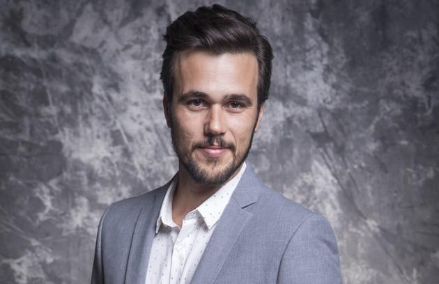 Rafael (Bruno Ferrari) é dono de uma empresa de tecnologia digital. Depois da 'morte' da noiva, Kyra, desenvolverá uma obsessão por limpeza e organização (Foto: TV Globo)
