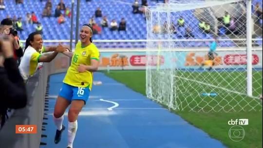 Brasil goleia o Canadá em torneio amistoso de futebol feminino