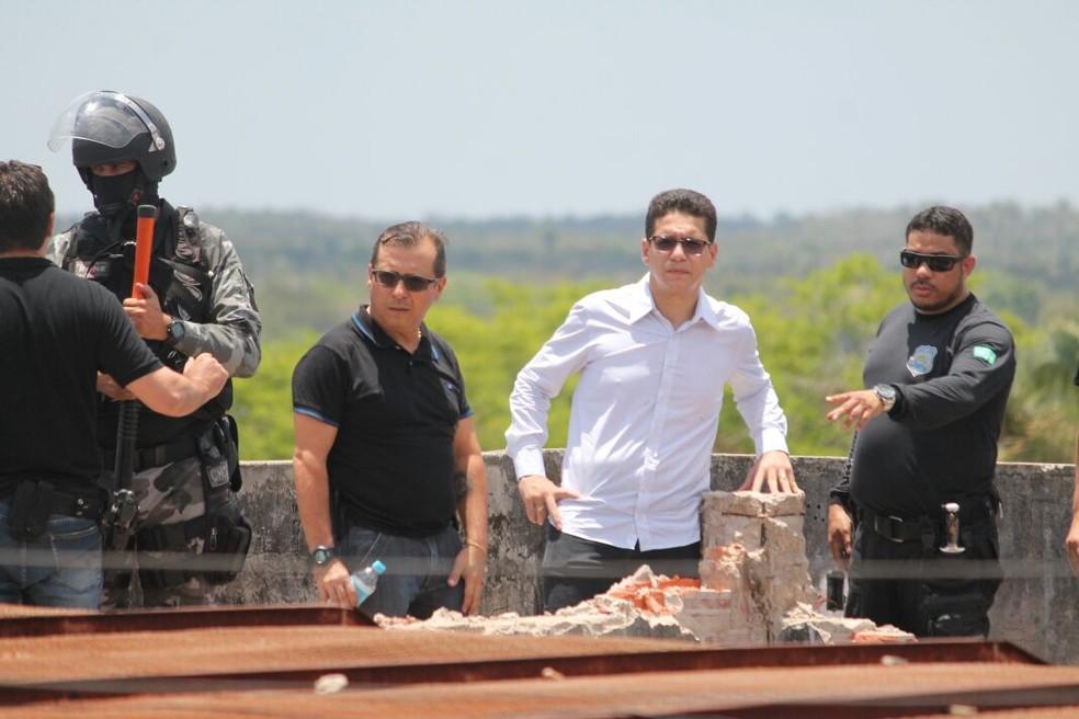 Secretário e equipe foram ao local, que ficou bastante destruído (Foto: Divulgação/Sejus)