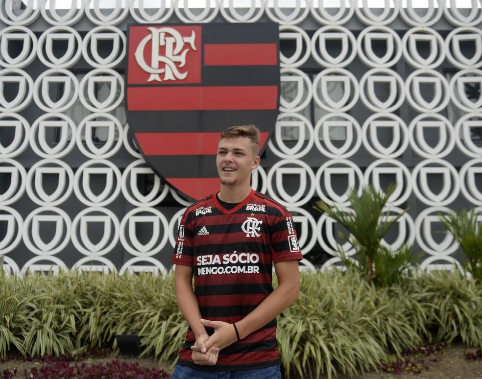 Gabriel Noga Flamengo Ninho do Urubu — Foto: André Durão/GloboEsporte.com