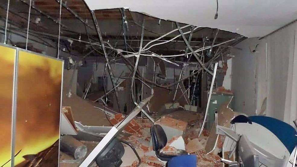 Agência bancária foi destruída em ação criminosa neste sábado (7), em Minduri (MG) (Foto: Reprodução/Redes Sociais)
