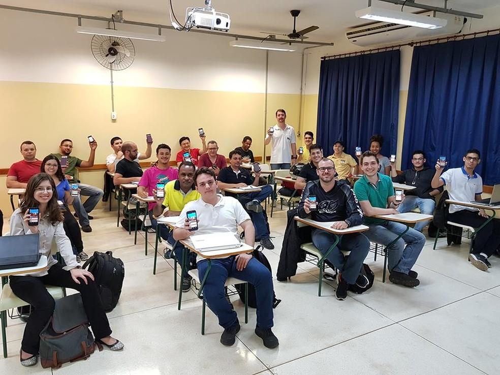 Professor da Fatec de São José do Rio Preto criou aplicativo que une conhecimento e educação (Foto: Henrique Dezani/Arquivo Pessoal)