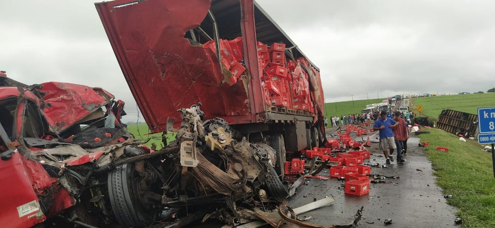 Ainda não se sabe os motivos do acidente na PR-323 — Foto: PRE/Divulgação