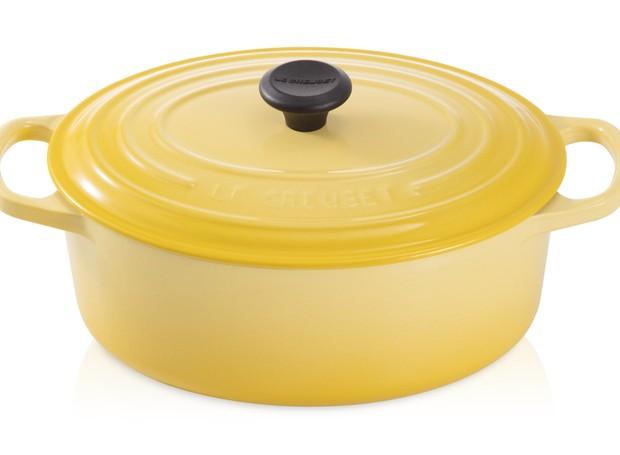 Le creuset - Panela oval amarelo soleil, de R$ 1.599 por R$ 959,40  (Foto: Divulgação )