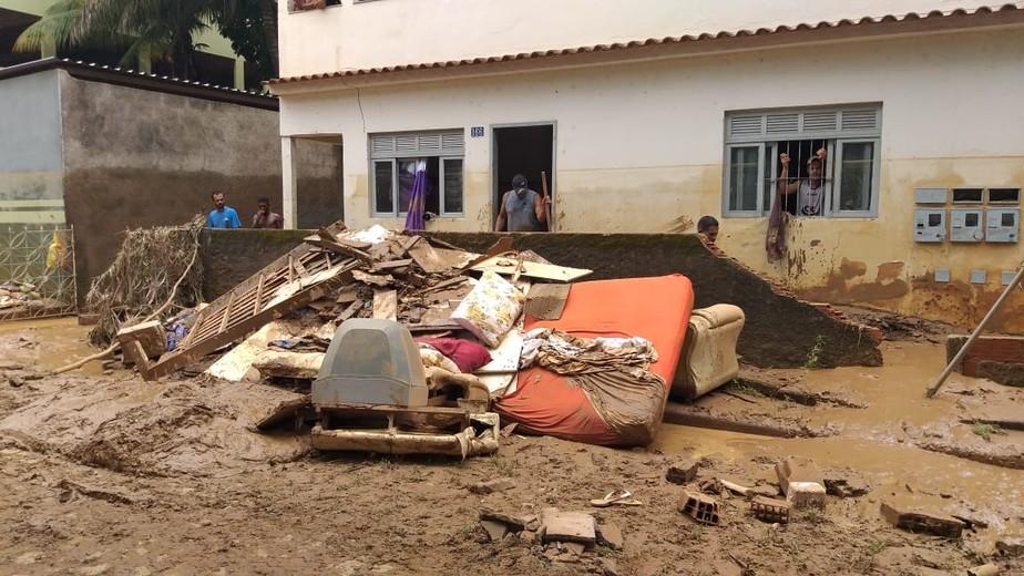 Chuva no Sul do ES deixa seis mortos e mais de 400 pessoas fora de casa