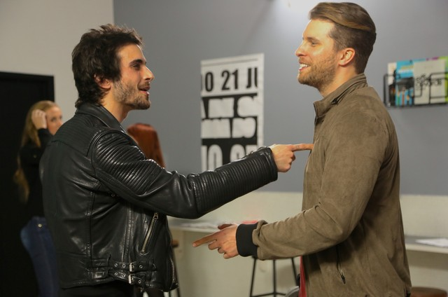 Fiuk e Thiago Fragoso em cena do filme 'O galã' (Foto: Renata Falzoni)