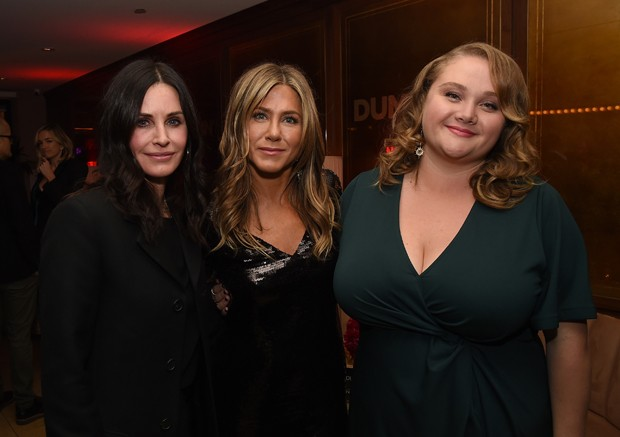 Courteney Cox, Jennifer Aniston e Danielle MacDonald (Foto: Kevin Winter/Getty Images)