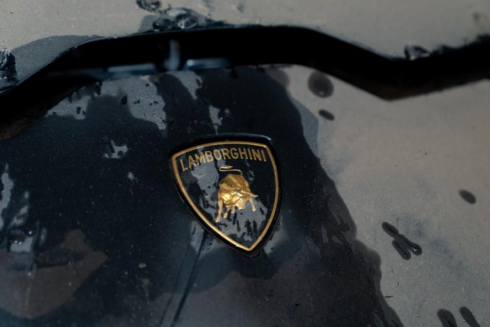 Lamborghini que foi afetada pelo alagamento em São Paulo — Foto: Marcelo Brandt/G1