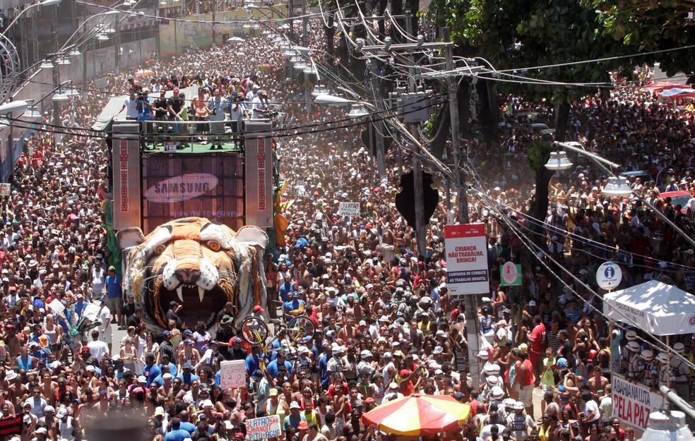1d7eb0e4b9 ... Exposição mostra cobertura do carnaval durante os 40 anos do Jornal  Correio — Foto  Divulgação