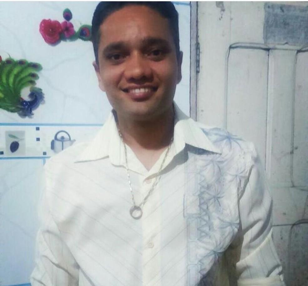 Antônio Araújo foi assassinado e teve o corpo queimado pela ex-namorada e um comparsa dela (Foto: Arquivo da família)