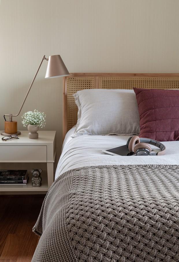 A madeira cria um clima aconchegante neste apartamento (Foto: Evelyn Müller)