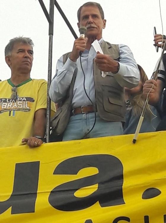 Paulo Chagas, general da reserva, critica ministros do STF em manifestação em Brasília (Foto: Reprodução/Facebook)