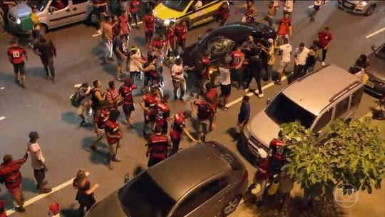 Torcedores do Flamengo e PMs voltam a se enfrentar após final da Sul-Americana no Maracanã