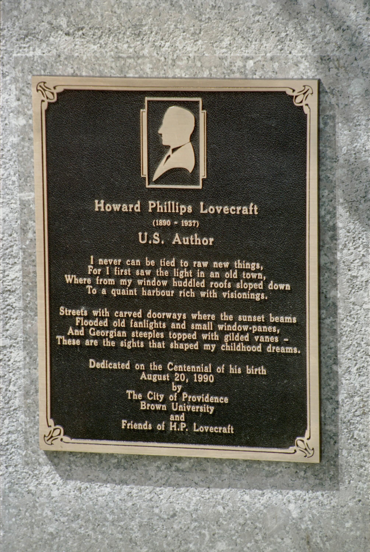 Placa de homenagem ao escritor H.P. Lovecraft na cidade de Providence, no estado norte-americano de Rhode Island (Foto: Wikimedia/Will Hart from Fullerton)