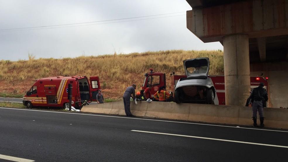 Acidente foi na SP-425, em Indiana (Foto: Paula Sieplin/TV Fronteira)
