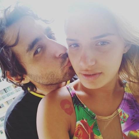 Glamour Garcia com o namorado, Gustavo Dagnese (Foto: Reprodução)