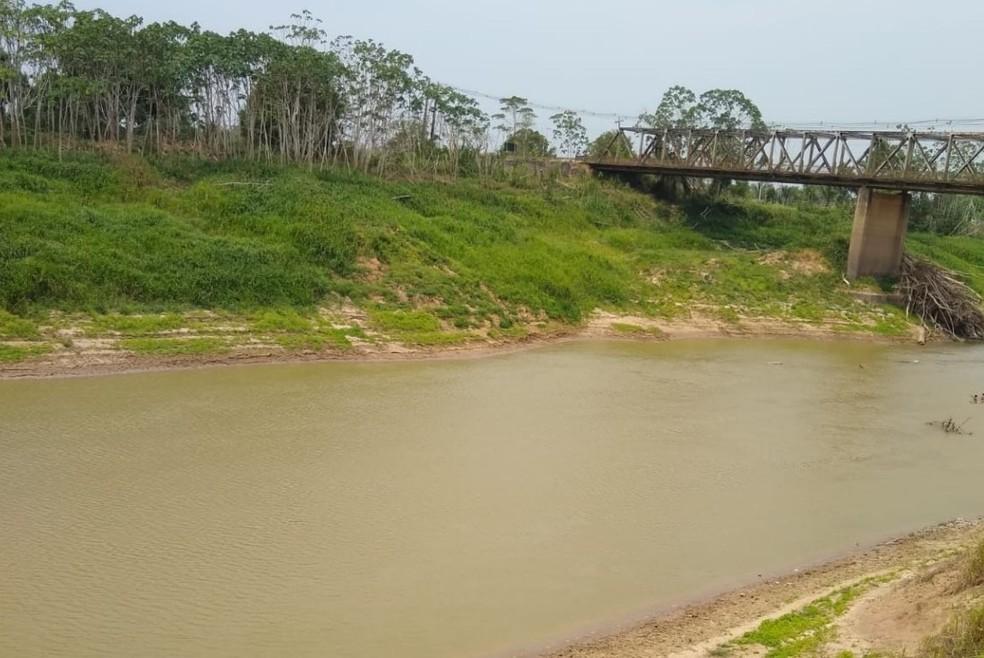 Rio Iaco, em Sena Madureira, está com 74 centímetros — Foto: Defesa Civil Municipal