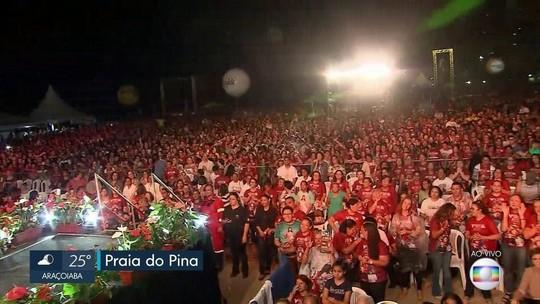 Evento beneficente com Padre Reginaldo Manzotti reúne multidão de fiéis na Praia do Pina