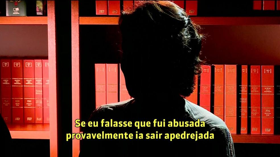 Mulher diz ter sido abusada por João de Deus — Foto: GloboNews/Reprodução