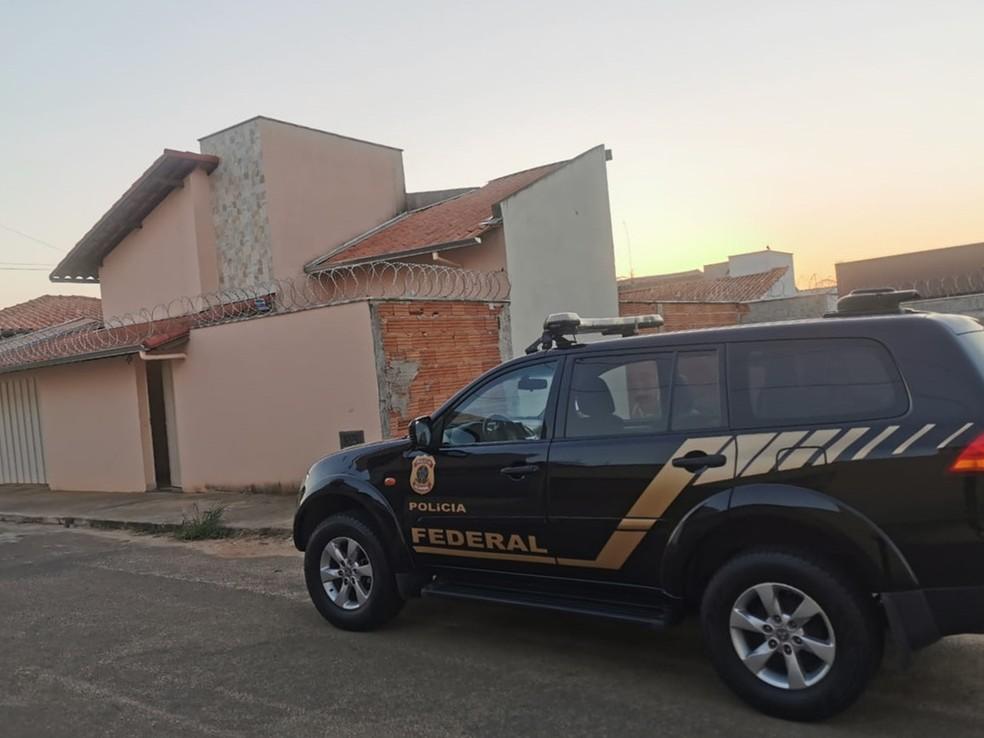 Polícia Federal cumpre mandado de busca e apreensão em Três Pontas (MG) — Foto: Polícia Federal