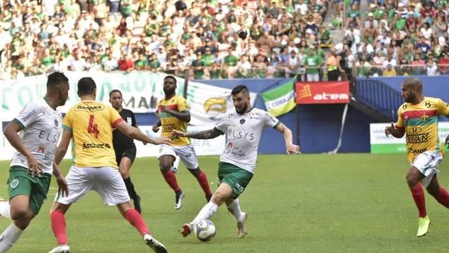 Manaus e Brusque empataram em 1 a 1 na primeira etapa