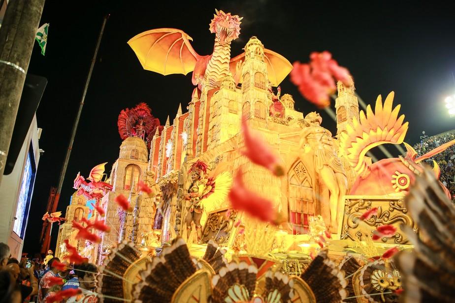 União da Ilha celebra a cultura do Ceará pelas obras de Rachel de Queiroz e José de Alencar