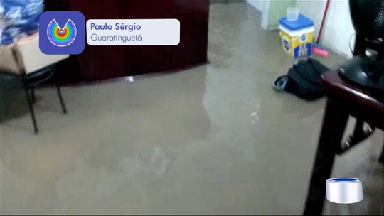 Temporal provoca alagamentos em casas e ruas em Guaratinguetá