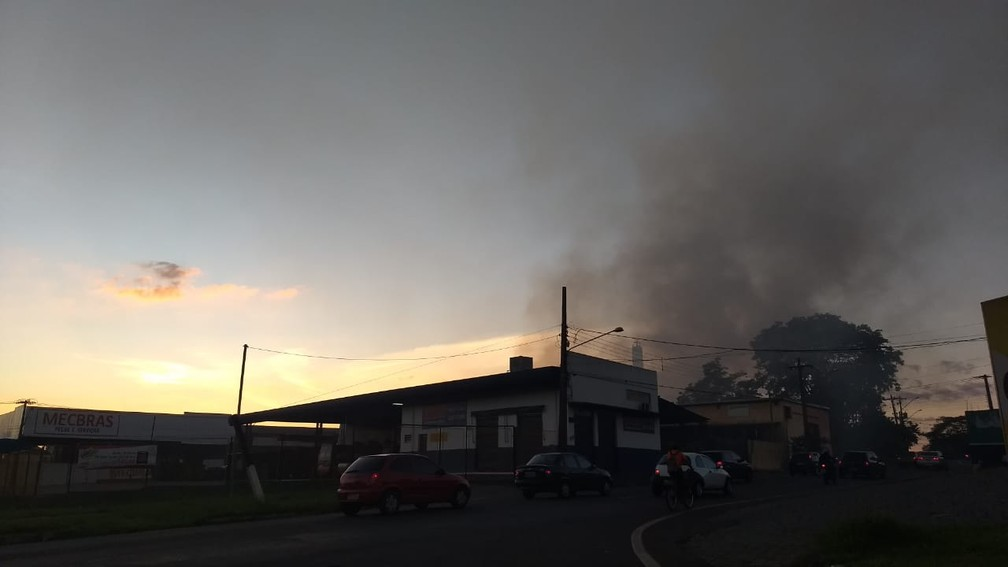 Ninguém ficou ferido no incêndio — Foto: Alberto D'angele/RPC