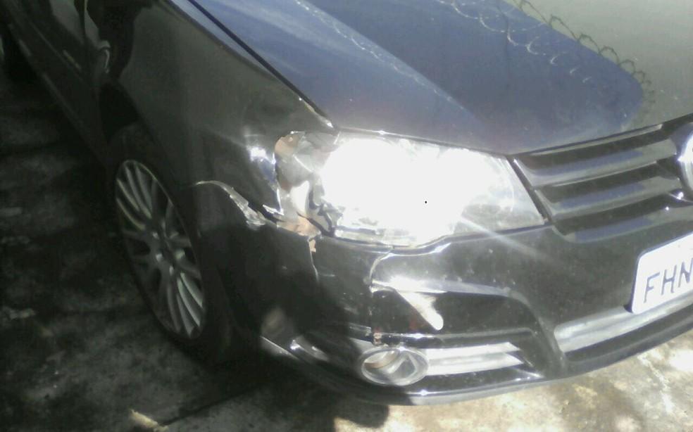 Carro usado para tentar matar ex-mulher foi apreendido pela polícia (Foto: Divulgação/PM)